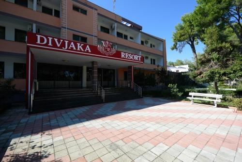 Hotel Divjaka Resort  Last Minute