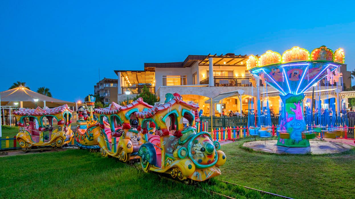 Otium Club Side